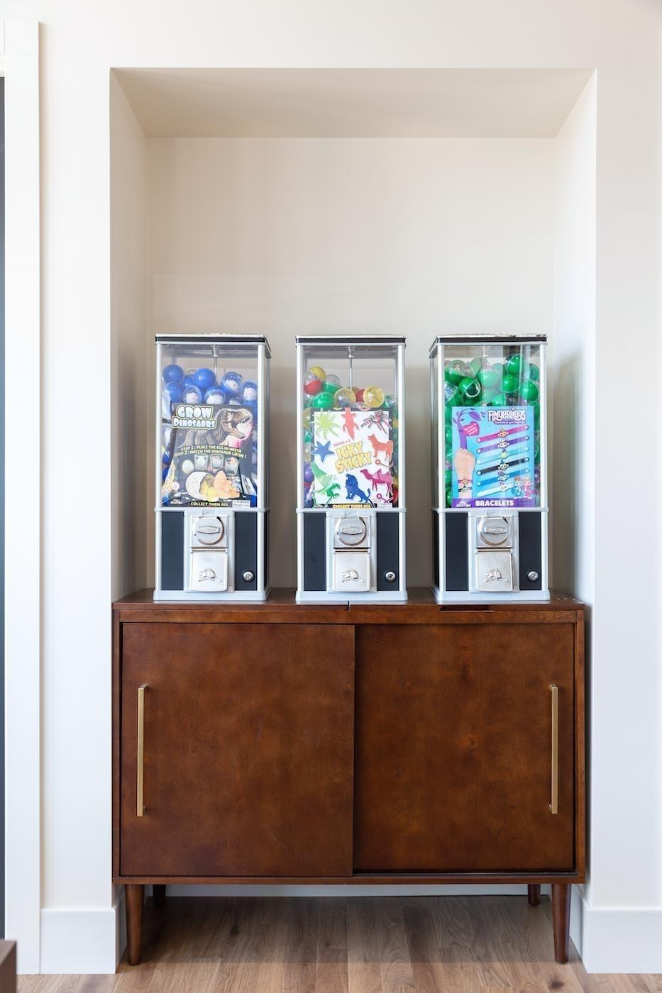Prize Machine for Younger Patients | Legacy Dental Care